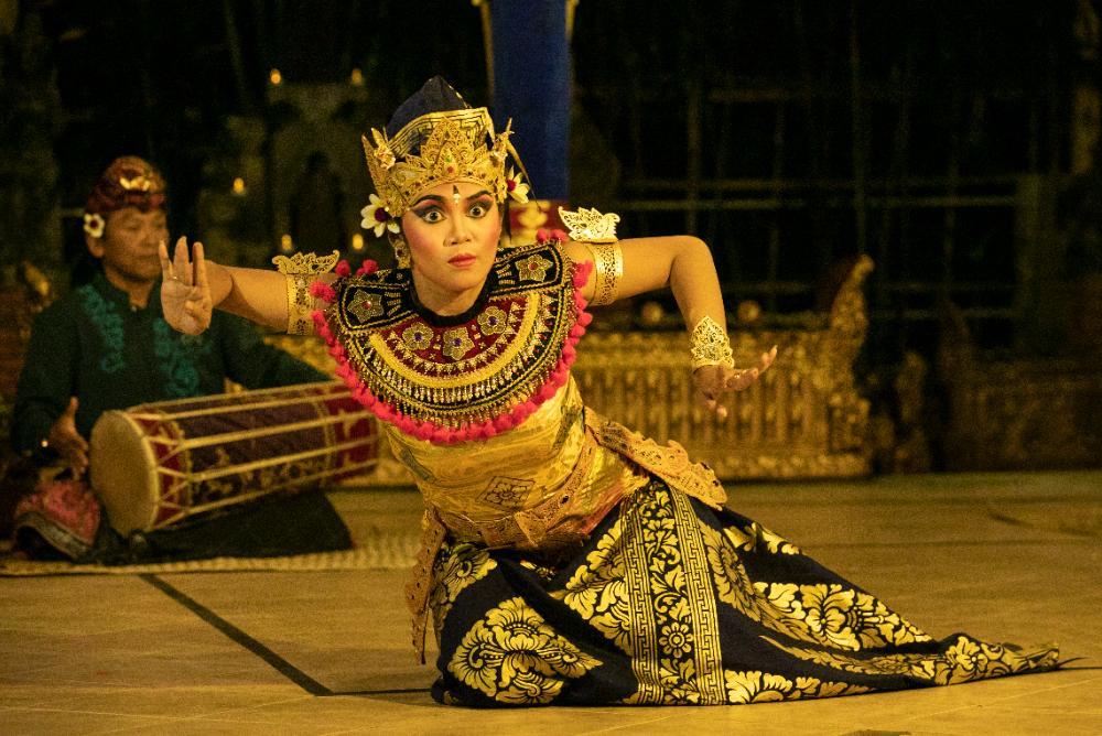 Indonesian dancer performing